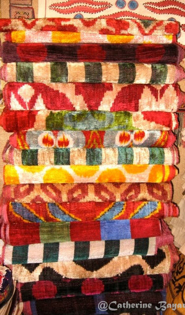 Handloomed patterned silk velvets from Uzbekistan, Grand Bazaar